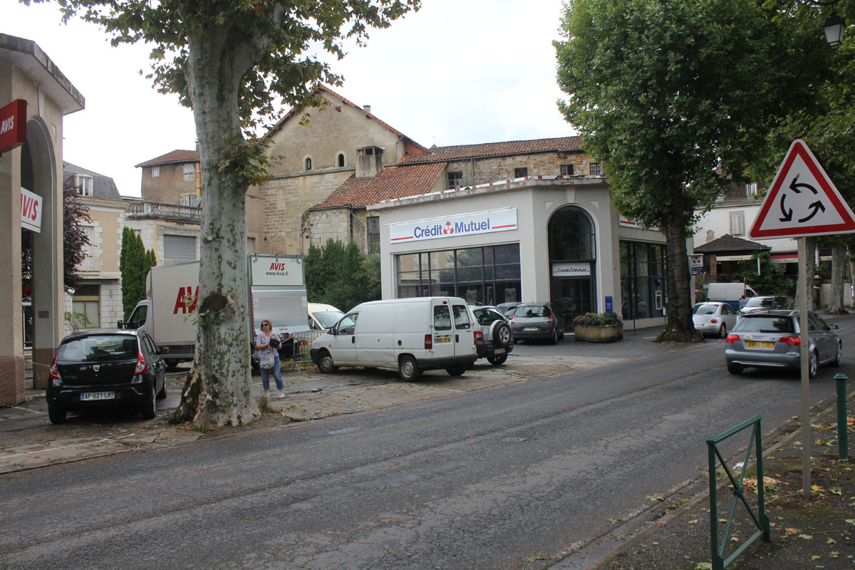Un mois un garage citro n figeac par le dr danche for Garage citroen le perreux