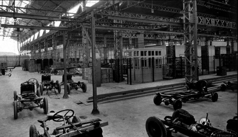 Un mois un garage citro n milan par le dr danche for Garage citroen pantin atelier