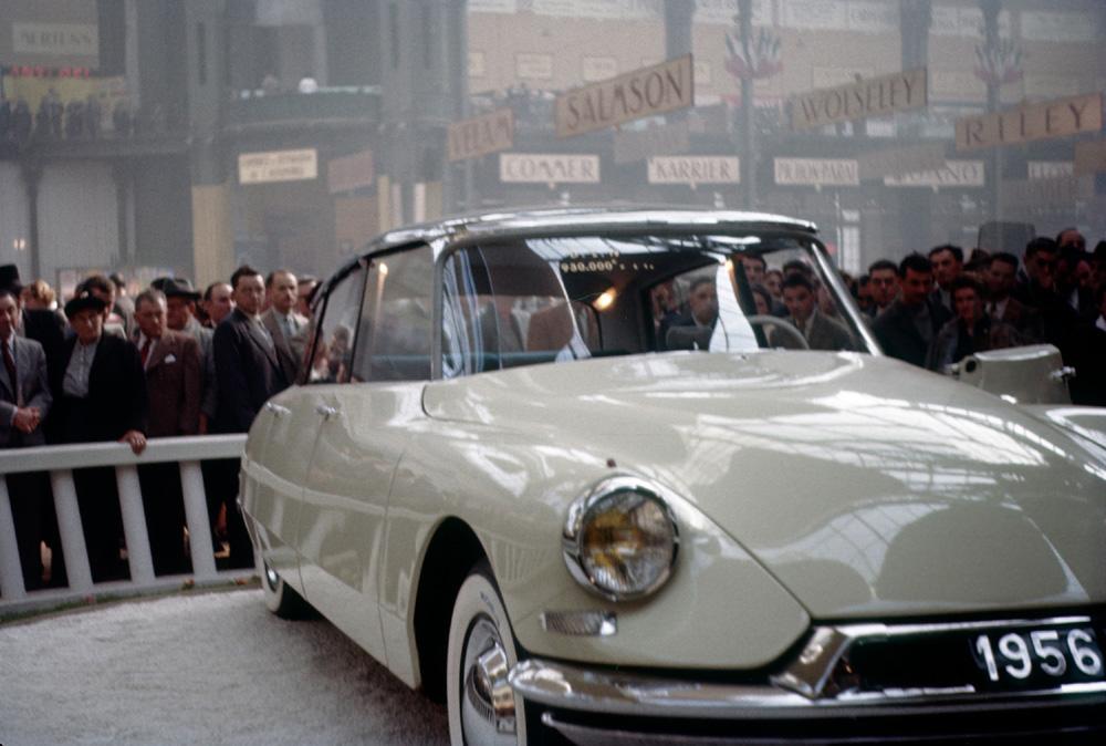 Le salon de l 39 auto de paris 1955 en photos couleurs for Le salon paris