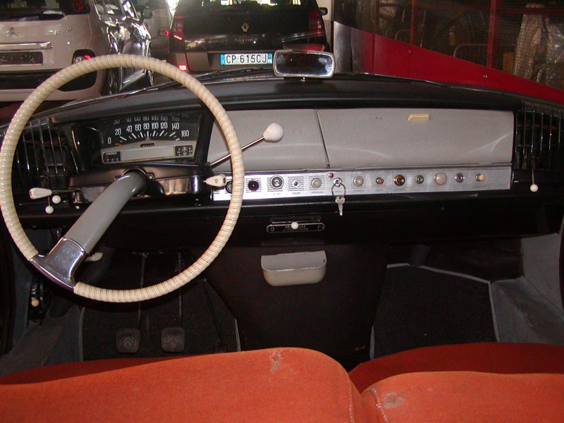 Citro n id 19 marron glac int rieur rouille 1960 for Interieur id