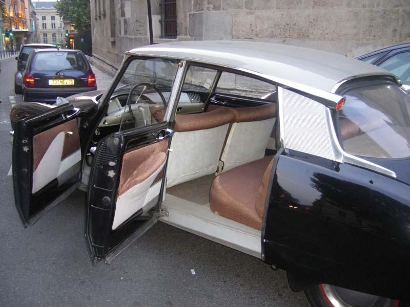 Noire helanca marron Citroën DS 1961