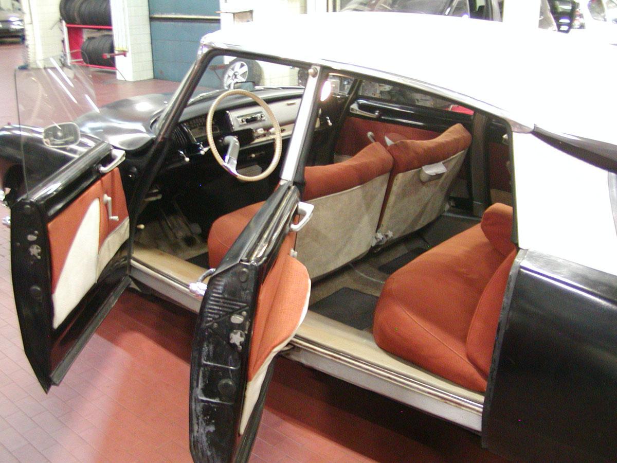 Noire int rieur rouille 1960 for Interieur 1960