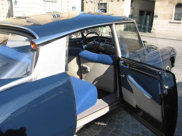 Bleu d 39 orient int rieur tissu bleu d 39 orient 1967 for Tissu voiture interieur